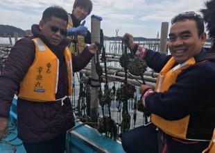 昨年秋、バンダ・アチェで牡蠣養殖の技術指導をしていただいた木村さんと。市長さんは、「ぜひ東名の技術を学んでバンダ・アチェでも本格的な牡蠣養殖を定着させたい」と意気込んでおられました!
